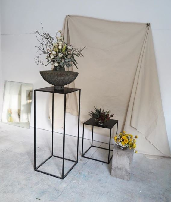 Braer floral design display plinths in black